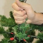 Künstlicher Weihnachtsbaum mit Scharniertechnik